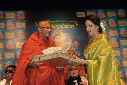 hema-malini-at-shlok-album-soundaryalahari-launch-13