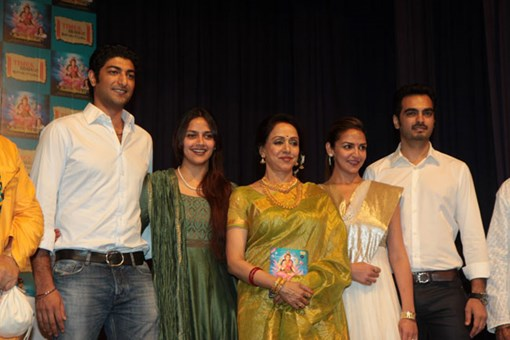hema-malini-at-shlok-album-soundaryalahari-launch-15
