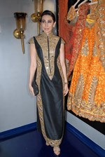 Karisma Kapoor and Amrita Rao @ Mayyur Girotra's 'Couture' Store Launch